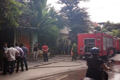 Lực lượng cứu hỏa chuyên nghiệp đã kịp thời khống chế đám cháy lan