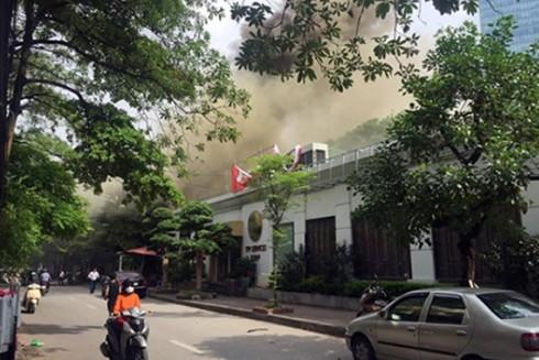 Hiện trường vụ hỏa hoạn xảy ra tại quán đồ ăn nhanh kết hợp cafe trên phố Phan Kế Bính