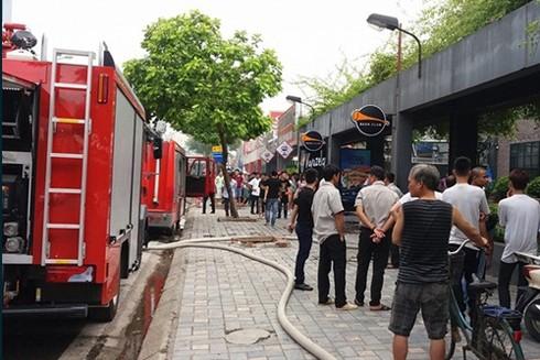 Hiện trường vụ hỏa hoạn tại quán nhậu trên phố Nguyễn Khánh Toàn