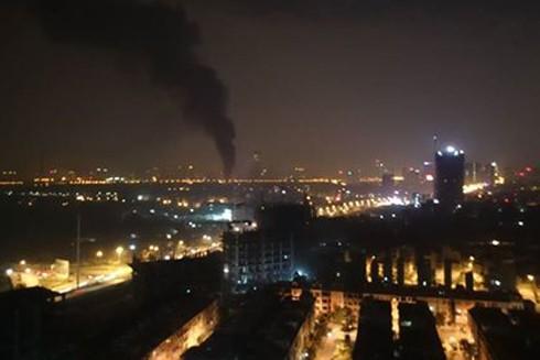 Từ xã đã nhìn thấy cột khói cao hàng chục mét