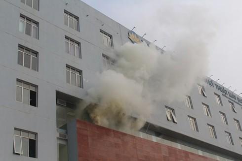 Giả định khi xảy cháy có người mắc kẹt trên tầng 4