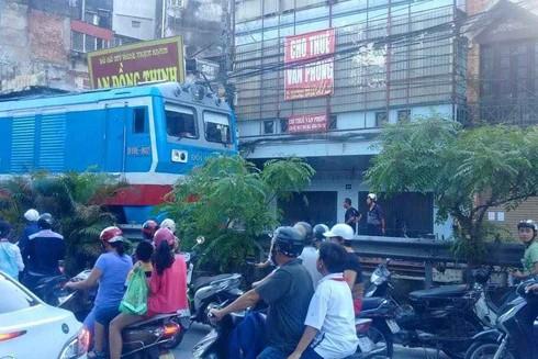 Vụ tai nạn khiến giao thông ùn ức cục bộ