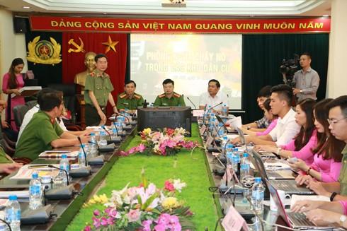 Thiếu tướng Phạm Văn Miên, Tổng biên tập Báo CAND phát biểu tại buổi tọa đàm