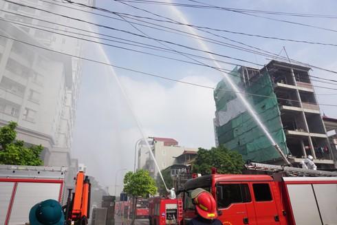 Phòng Cảnh sát PCCC diễn tập phương án chữa cháy, cứu nạn, cứu hộ tại nhà cao tầng trên địa bàn