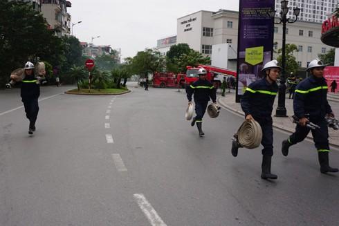 Lực lượng xin chị viện nhanh chóng được điều đến hiện trường để phối hợp cứu nạn, cứu hộ, chữa cháy