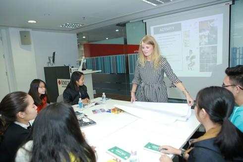 Ngày trải nghiệm các ngành học sáng tạo thu hút gần 1000 học sinh tham gia