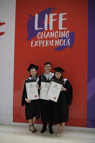 Niềm vui của các tân khoa Đại học RMIT Việt Nam trong ngày tốt nghiệp