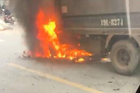 Nếu có phương tiện chữa cháy xách tay mang theo xe có thể sẽ cứu vãn được phần nào tài sản
