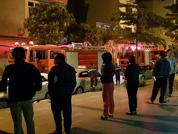 Lực lượng cứu hỏa đã nhanh chóng có mặt xử lý sự cố, tránh hậu quả đáng tiếc xảy ra