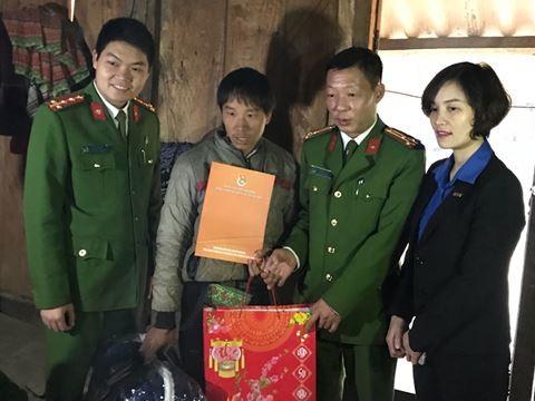 Lực lượng Cảnh sát PCCC TP Hà Nội thăm hỏi, tặng quà đồng bào vùng cao tỉnh Sơn La