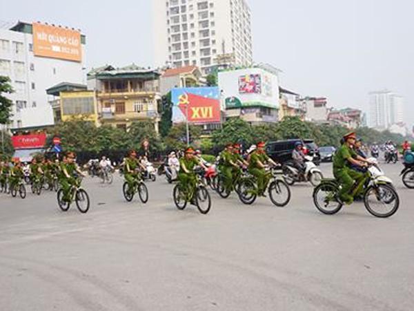 CAQ Ba Đình dùng xe đạp tuần tra đảm bảo TTGTĐT
