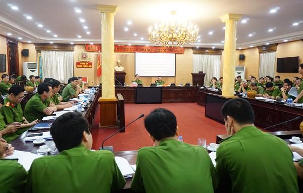 Thiếu tướng Đinh Văn Toản chủ trì hội nghị sơ kết 6 tháng công tác quản lý tạm giữ, tạm giam, thi hành án hình sự và hỗ trợ tư pháp