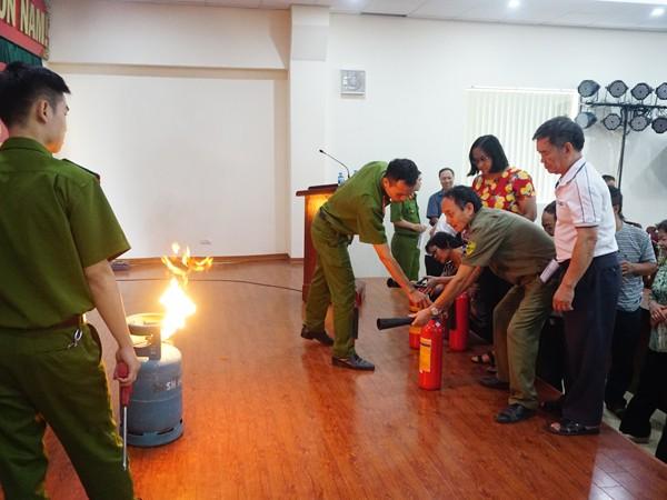 Thường xuyên tập huấn, hạn chế tối đa thiệt hại về người và tài sản xảy ra khi cháy, nổ