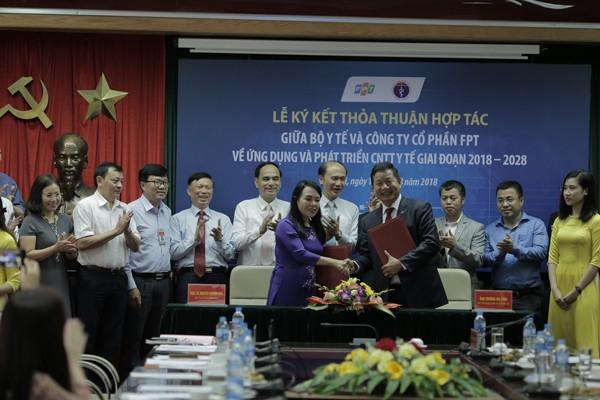 Hai bên đã ký kết và thống nhất và cho ra mắt hệ thống quản lý tổng thể bệnh viện thông minh