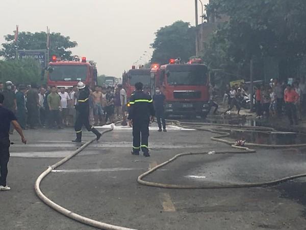 Lực lượng cứu hỏa nhanh chóng dập tắt đám cháy