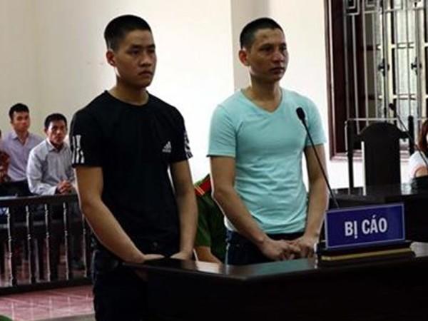 Hai bị cáo tại phiên xét xử