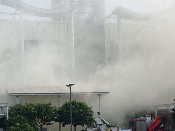 Giả định tình huống cháy có nhiều người mắc kẹt trong tầng cao của trung tâm thương mại