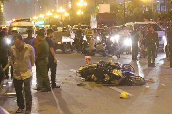 Hiện trường vụ TNLĐ xảy ra tại công trường trên đường Lê Văn Lương khiến 1 người đi đường tử vong
