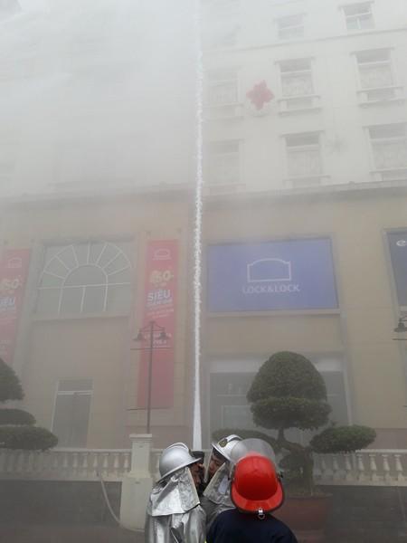 Diễn tập phòng cháy, chữa cháy, tìm kiếm cứu nạn tại tòa nhà The Garden ảnh 5