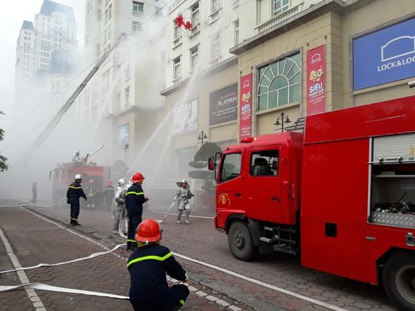 Diễn tập phòng cháy, chữa cháy, tìm kiếm cứu nạn tại tòa nhà The Garden ảnh 8