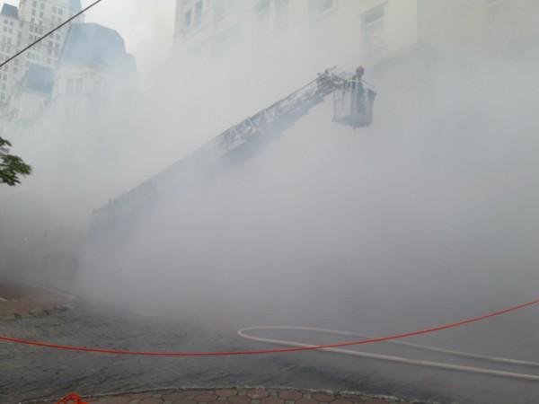 Diễn tập phòng cháy, chữa cháy, tìm kiếm cứu nạn tại tòa nhà The Garden ảnh 10
