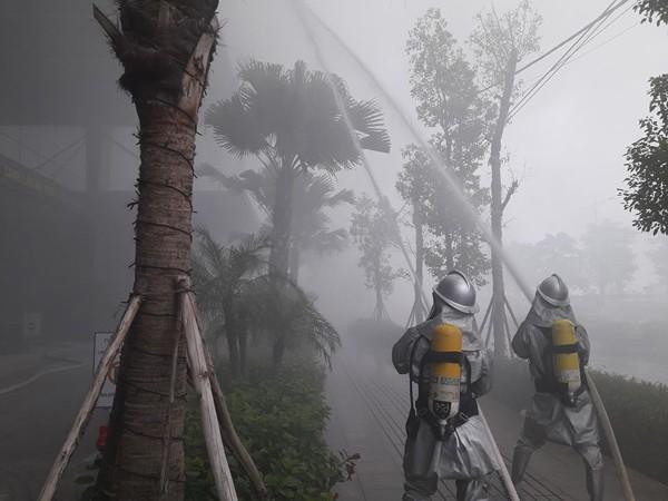 Diễn tập chữa cháy, cứu nạn người mắc kẹt trên tòa nhà cao tầng ở quận Bắc Từ Liêm ảnh 7