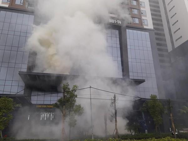 Diễn tập chữa cháy, cứu nạn người mắc kẹt trên tòa nhà cao tầng ở quận Bắc Từ Liêm ảnh 2