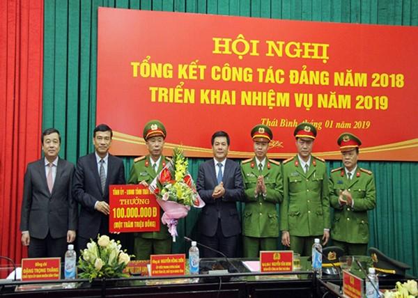 Lãnh đạo tỉnh Thái Bình khen thưởng, động viên cho Ban chuyên án