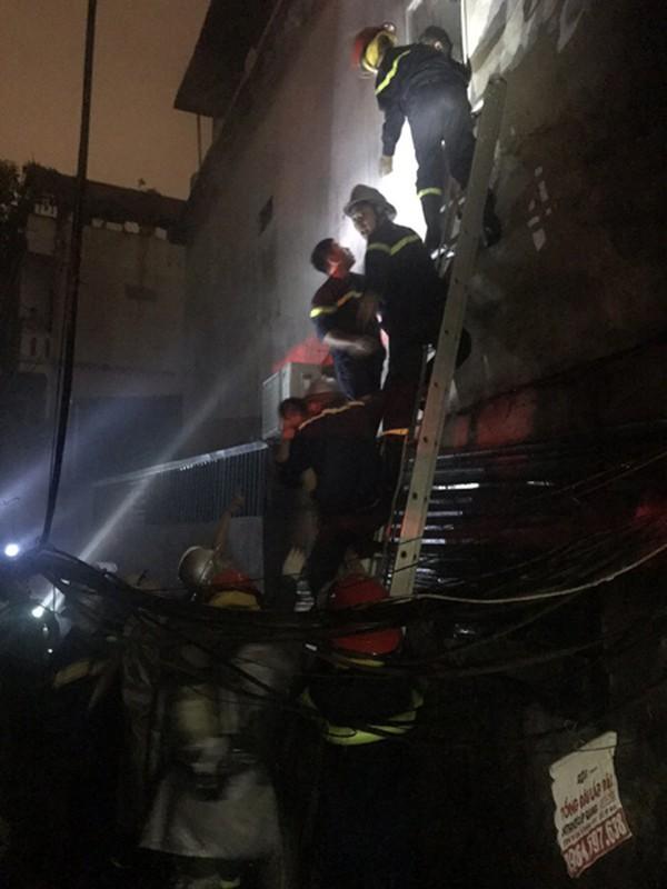 Lòng dũng cảm và trách nhiệm của người lính cứu hỏa ảnh 4