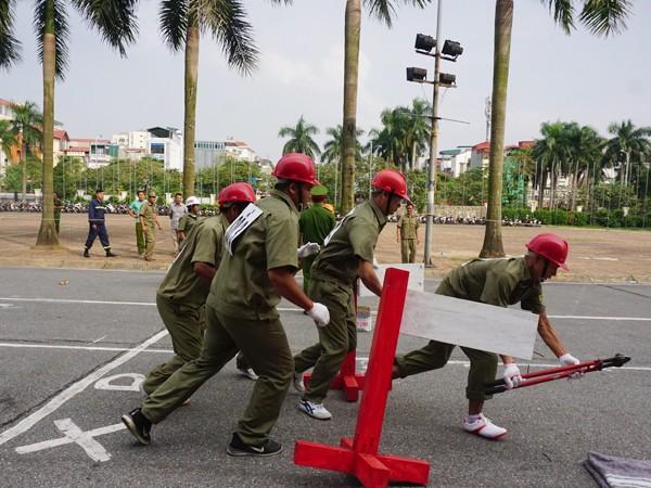 Nội dung thi đội hình chữa cháy, CNCH của lực lượng dân phòng