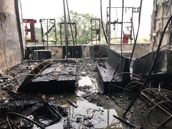 Toàn bộ tài sản tại tầng 2 đã bị lửa thiêu rụi