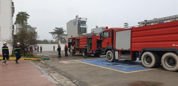 Lực lượng cứu nạn, cứu hộ đã kịp thời có mặt xử lý sự cố cháy
