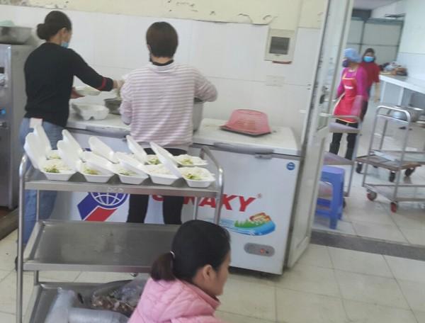 Công tác chuẩn bị hậu cần, sinh hoạt miễn phí cho người cách ly tại Bệnh viện CATP Hà Nội