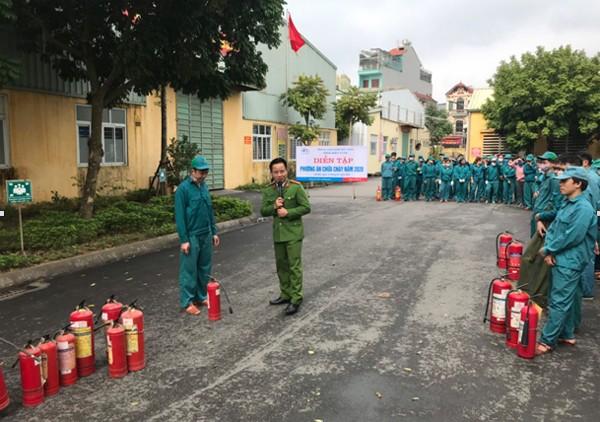 Lực lượng Cảnh sát PCCC và CNCH - CAH Gia Lâm thường xuyên tổ chức tuyên truyền, tập huấn công tác PCCC cho lực lượng cơ sở