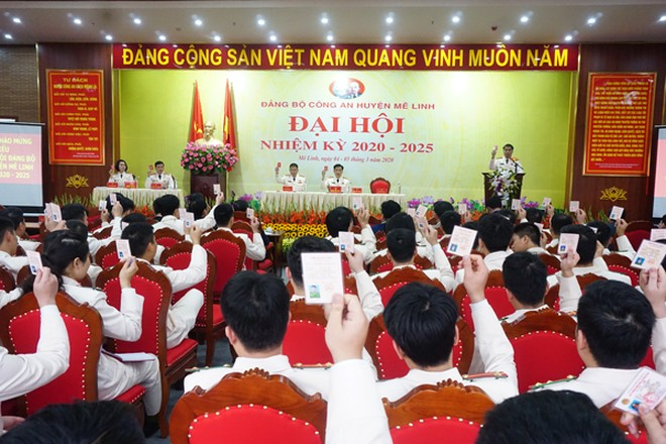Phiên khai mạc Đại hội Đảng bộ CAH Mê Linh nhiệm kỳ 2020-2025 diễn ra chiều 4-3