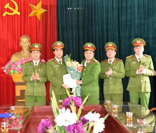 """Ban giám đốc Công an tỉnh Phú Thọ thưởng """"nóng"""" cho CBCS Phòng Cảnh sát ĐTTP về ma túy Công an tỉnh số tiền 50 triệu đồng"""
