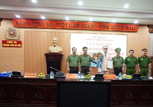 Đảng ủy - Ban Giám đốc CATP chúc mừng Đại tá Nguyễn Hồng Ky được bổ nhiệm giữ chức vụ Phó Gám đốc CATP Hà Nội