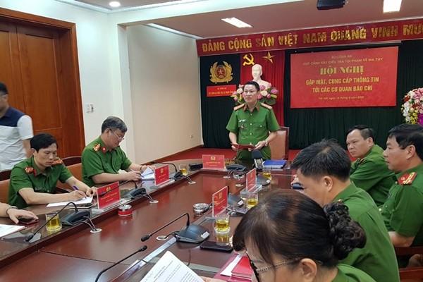 Đại tá Nguyễn Văn Viện phát biểu, chỉ đạo tại Hội nghị