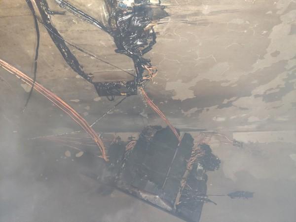 Hệ thống điện quá tải chập cháy trơ lõi đồng tại chung cư A5 Đền Lừ