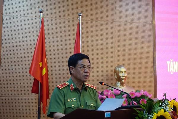 Trung tướng Đoàn Duy Khương phát biểu tại buổi lễ