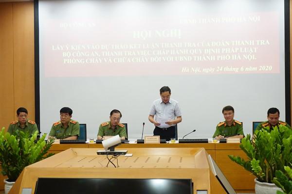 Ông Lê Hồng Sơn, Phó Chủ tịch UBND thành phố Hà Nội phát biểu tại Hội nghị