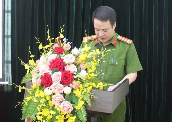 Trung tá Phạm Hải Thắng, Trưởng Công an quận Ba Đình phát biểu tại buổi gặp mặt, tặng quà thương binh và thân nhân liệt sỹ nhân kỉ niệm 73 năm ngày thương binh - liệt sỹ