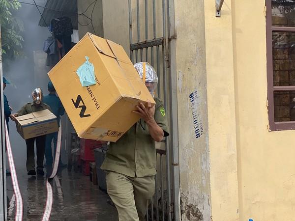 Lực lượng dân phố, dân phòng tổ chức cứu tài sản, hàng hóa