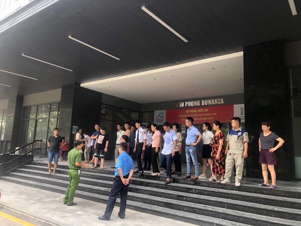 Lực lượng Cảnh sát PCCC và CNCH - CAQ Nam Từ Liêm tuyên truyền, hướng dẫn an toàn PCCC cho cư dân