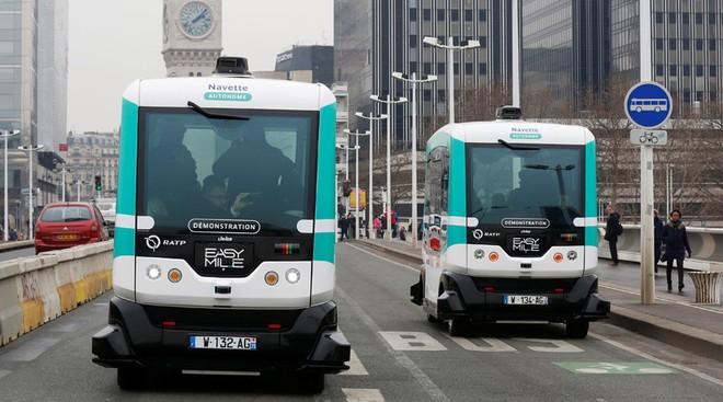 Paris thử nghiệm xe buýt không người lái