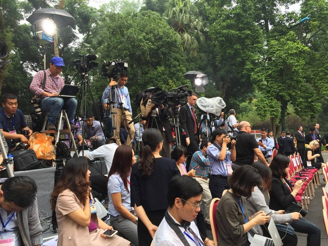 Toàn cảnh cuộc họp báo chung giữa Chủ tịch nước Trần Đại Quang và Tổng thống Hoa Kỳ Donald Trump