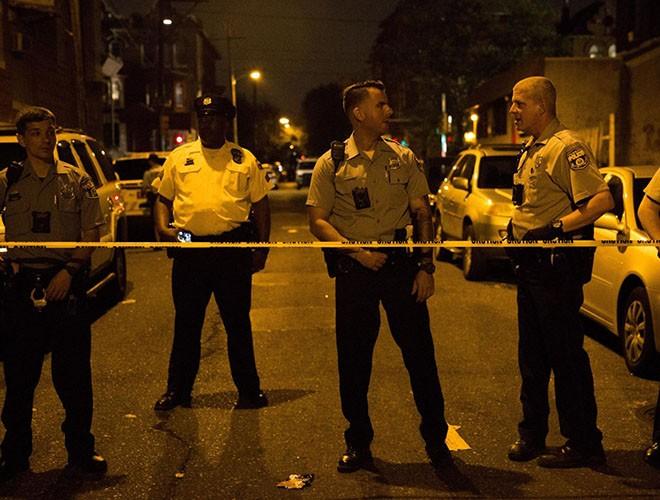 Hàng rào an ninh tại hiện trường vụ đấu súng tối 14-8