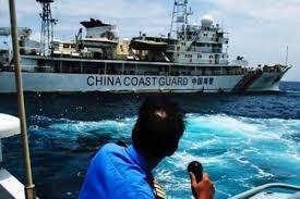 Trung Quốc chặn tàu cá Philippines tiến vào bãi cạn Scarborough ở Biển Đông