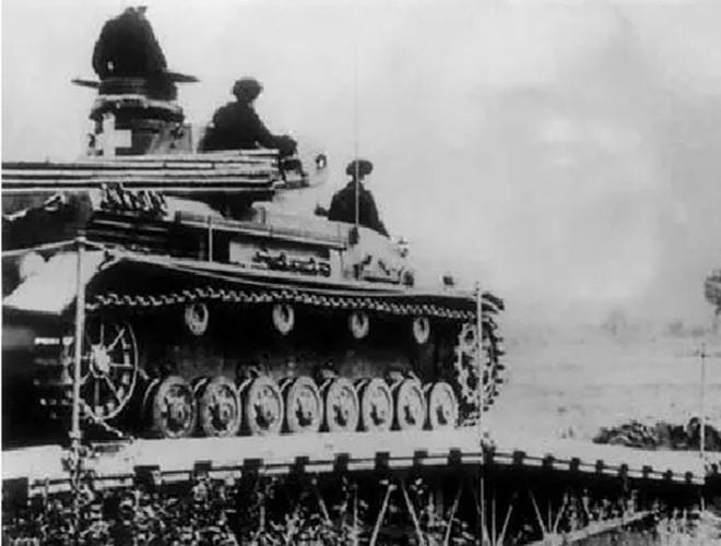 [Ảnh] Lo ngại về xung đột ngay trong lễ kỷ niệm 80 năm nổ ra Thế chiến II ảnh 14