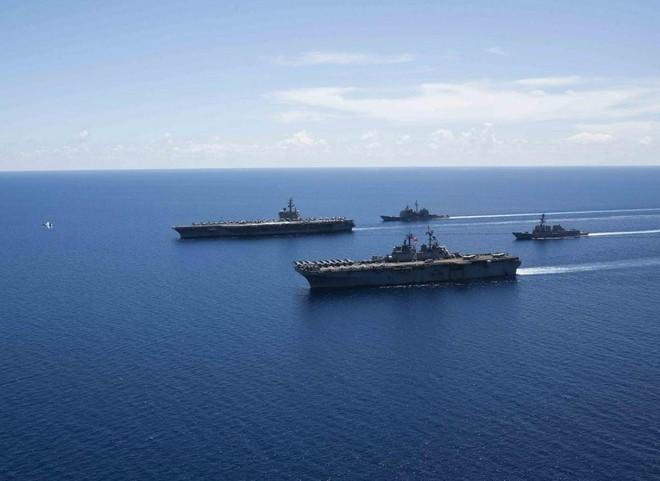 Hải quân và Thủy quân lục chiến Mỹ hợp lực ở Biển Đông